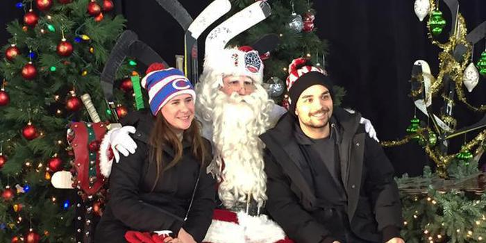 Santa posing with guests at Lansdowne Classic 100 NHL