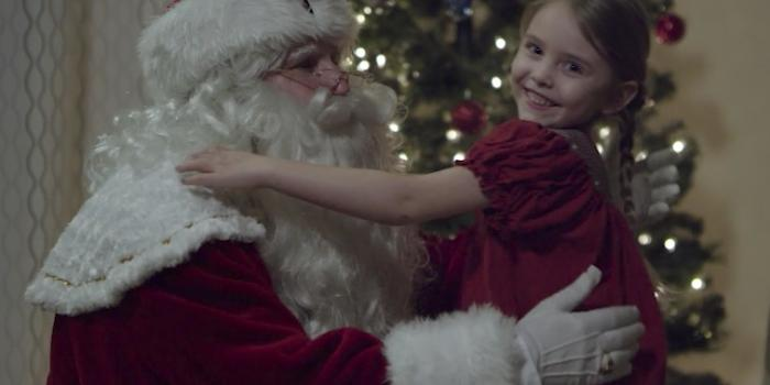 Santa Claus and a little lady